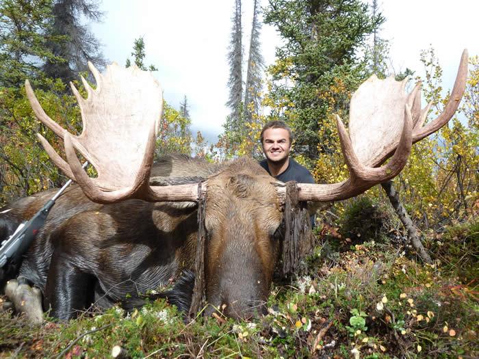 Hunting Alaska Moose wit Kelly Vrem