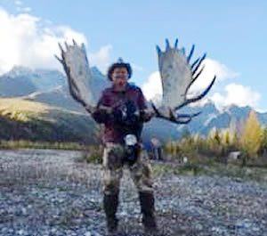 Kelly_Vrem_Moose_Hunt_2016_1